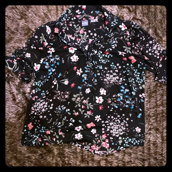 New York & Company Tops - XL floral blouse NY&CO